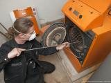 Schornsteinfeger - Kaminkehrer - Heizungsanlage reinigen